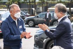 文대통령의 수소전기차 넥쏘 사랑…취임 후 현대차 ...
