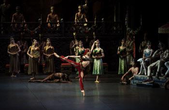 대작 발레 '라 바야데르', 5년 만에 무대에