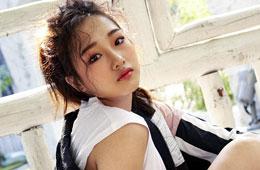 솔로 데뷔 `크리샤츄`
