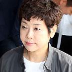 블랙리스트 피해자 김미화, 검찰 출석