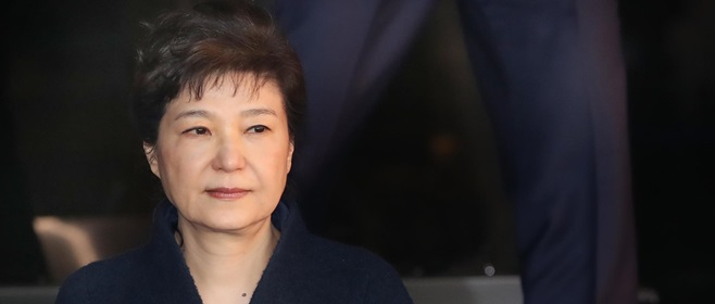 朴, 30일 법원 출석…영장심사 받는 첫 전직 대통령