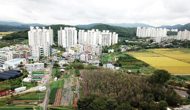 """""""투기꾼들만 신나"""" 평당 300만원하던 의왕 두배 '껑충'"""