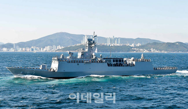 中 관함식 '경기함' 파견…北·日은 대장 韓만 중장?