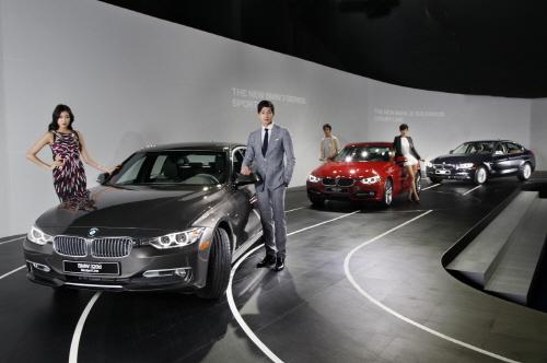 `���� 23.8km/��` BMW �� 320d ���..`4500��~5650����`