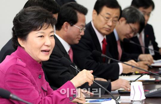 朴당선인 `새 정부 국정지표는 중산층·고용률 70% 달성`