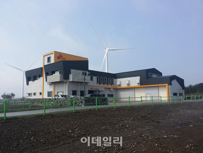 [르포]제주 가시리 풍력발전소 가보니..거대한 바람개비 쉴새없이 빙빙