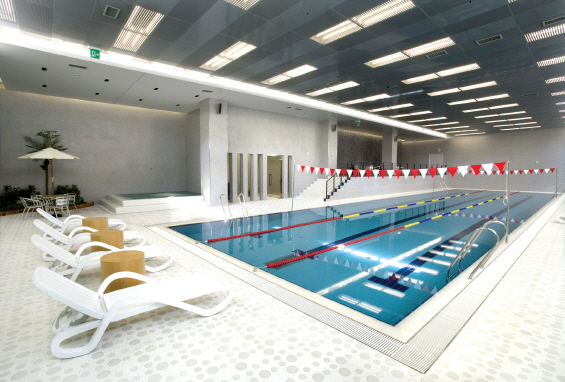 이데일리 - '수영장 있는' 아파트라더니..절반은 '애물단지'