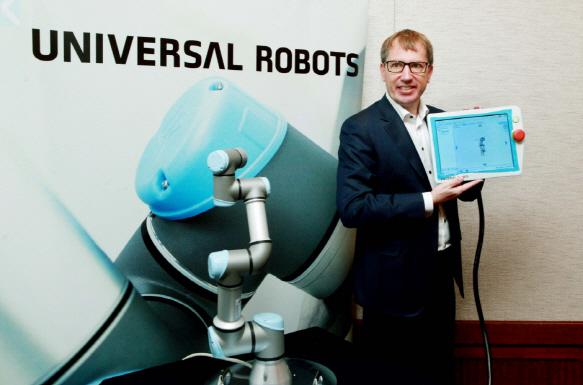 유니버셜로봇 `韓로봇 시장 본격 진출..일자리 줄인다는 건 기우`