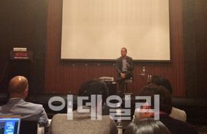 넷플릭스 `한국에서 가격 경쟁 절대 하지 않을 것`