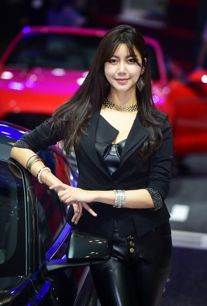 레이싱모델 반지희, '블랙 섹시걸'