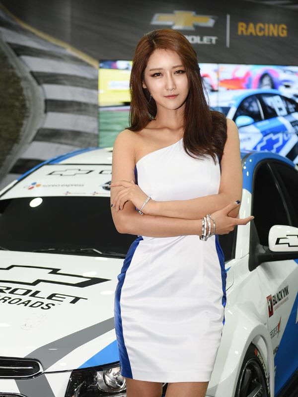 레이싱 모델 유다연, '쉐보레 레이싱 팀의 멋진 레이스카 보러 오세요'