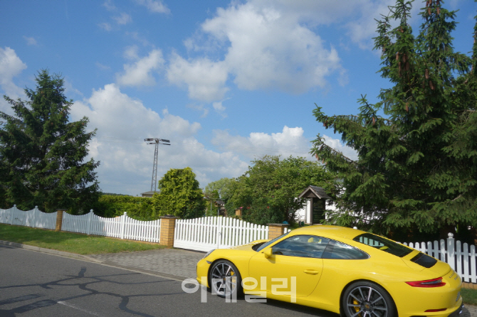 [타봤어요]포르쉐 대표 스포츠카 뉴 911, 독일 본고장 체험기