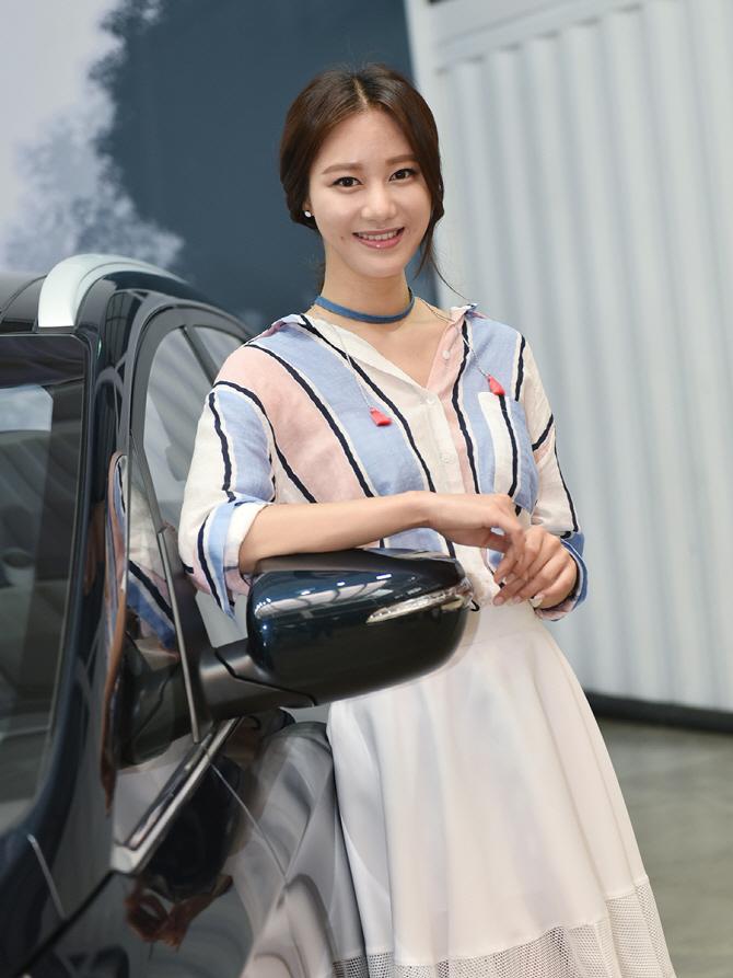 """모델 송다혜 """"더 뉴 카렌스, 많이 사랑해주세요'"""