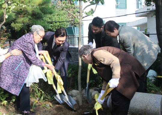 중국 난징에 위안부 할머니 기리는 `추모숲` 조성