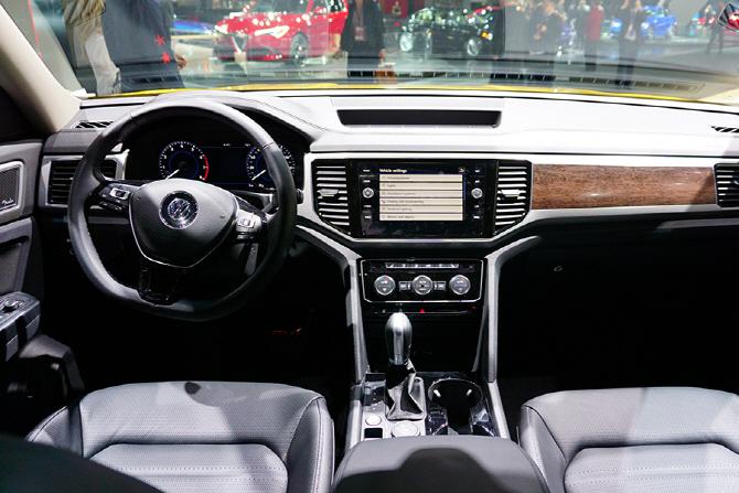 폭스바겐, 브랜드 최초의 풀사이즈 SUV 아틀라스 디트로이트에 등장