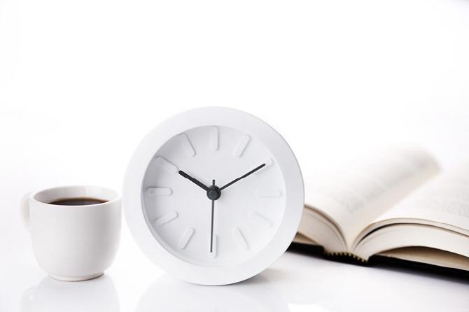 `잠 깨려고 마신 커피 때문에`…커피 마시기 가장 좋은 시간은?