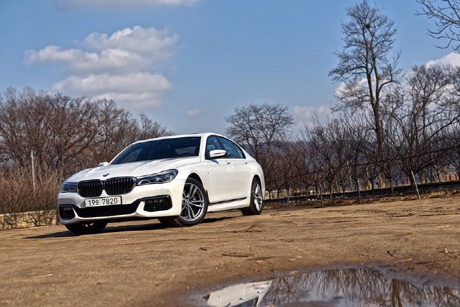 BMW 740d xDrive M 스포츠 패키지 시승기 - 여유로움과 첨단 기술의 융화