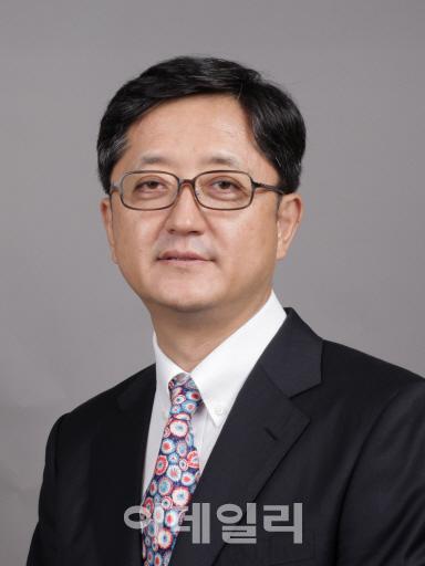 [목멱 칼럼] 박근혜 탄핵 판결문 감상법. 오수근 이화여대 로스쿨 교수