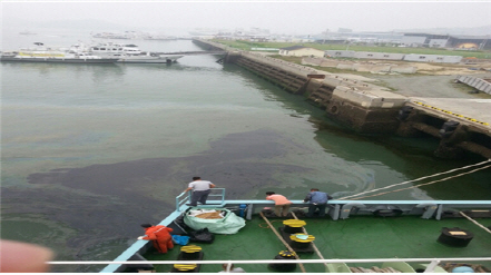 안전처 `부주의로 인한 해양오염사고 전체 51%`