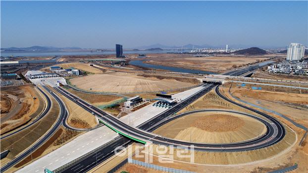 `인천 송도~김포신도시 자동차로 25분 만에 다닌다`