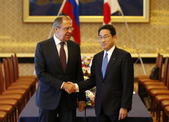 日·러, 3년여 만에 외무·국방장관 회담…쿠릴 섬 경제교류 등 논의