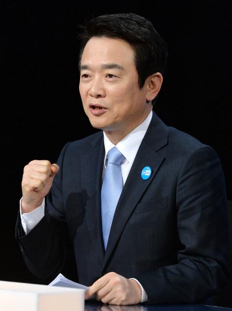 안희정·홍준표·남경필...지사직 사퇴 골든타임은?