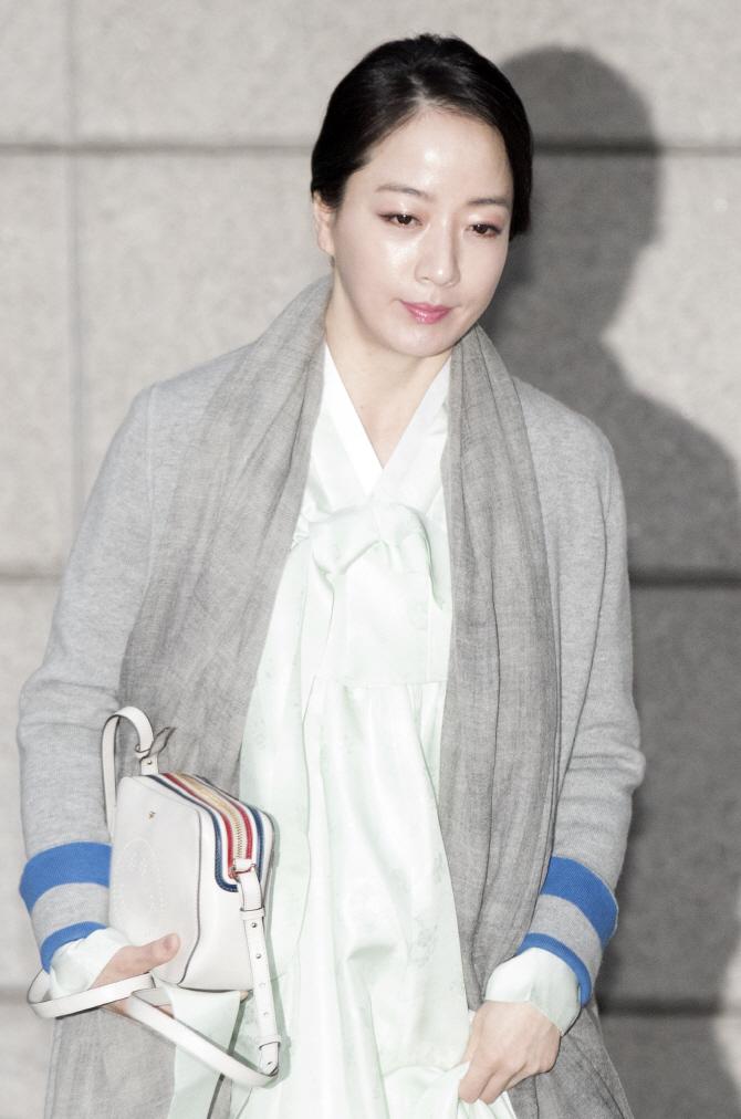 [포토] 노현정 전 아나운서, 고 정주영 명예회장 제사 참석
