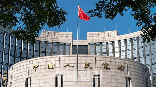 `해외M&A는 가시돋친 장미`…中인민銀 부행장도 경고 가세