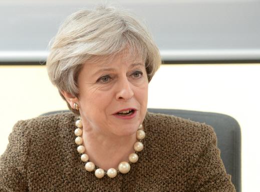 英, 29일 브렉시트 협상 개시…메이 `2019년 협상 끝냈으면`