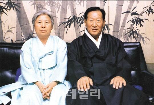故정주영 회장 16주기…범현대가 정몽구 회장 자택서 제사(종합)
