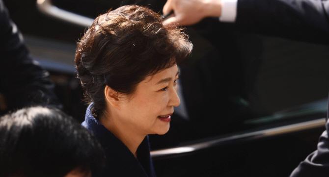 """이재명 측 """"검찰은 박근혜 전 대통령을 구속 수사해야"""""""