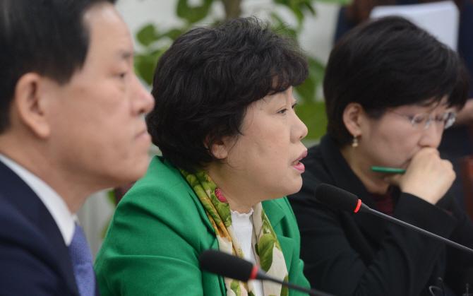 조배숙 `박근혜 전 대통령 피해자 행세, 국민분노 자극`