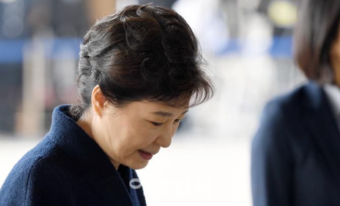 [포토]박 전 대통령, 파면 11일만에` 검찰로