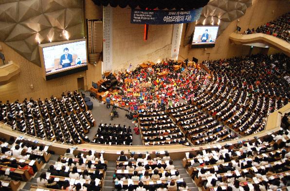 명일동 명성교회 `변칙세습` 논란 확산