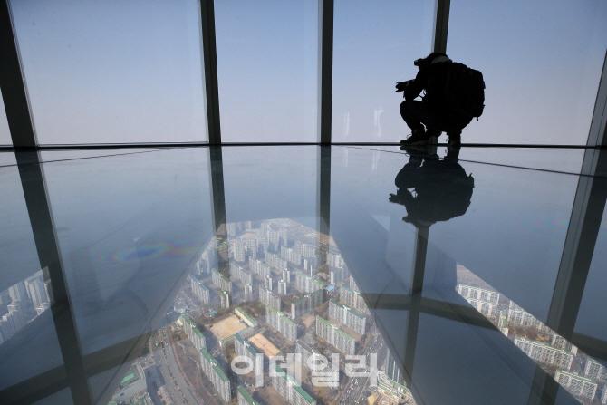 [포토]롯데월드타워 서울 스카이, `현기증 나는 높이`