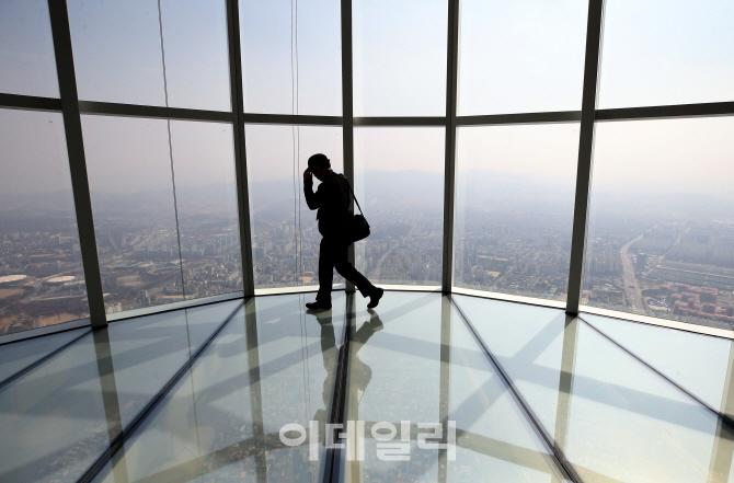 [포토]롯데월드타워 서울 스카이, `긴장되는 높이`
