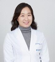 [전문의 칼럼] 20대 유방통증 `심리적 안정` 통해 호전되기도