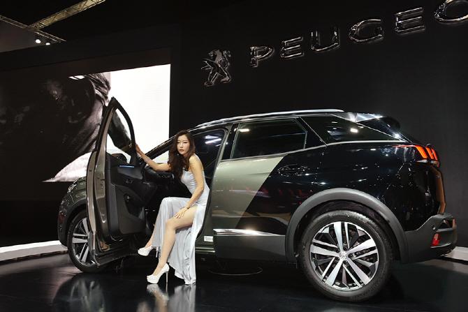 [서울모터쇼] 서울모터쇼에서 관람객들의 눈길을 끌었던 5대의 차량