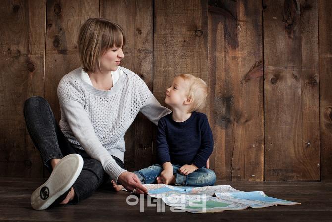 `육아휴직 보내라`…공공기관 경영평가 반영하고 현황 공개키로