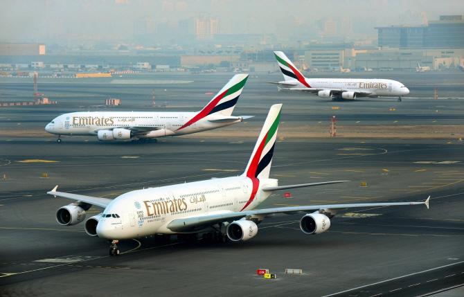 에미레이트 항공, 미국 노선 줄인다..반이민정책탓