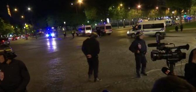 대선 사흘 전 파리서 총격 테러..IS,`벨기에 조직원이 했다`