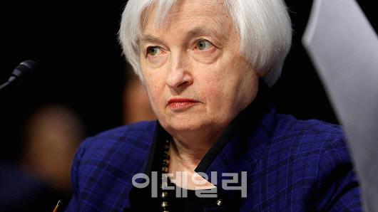 연내 두차례 금리인상 의심하는 시장…IMF도 `긴축 신중해야`