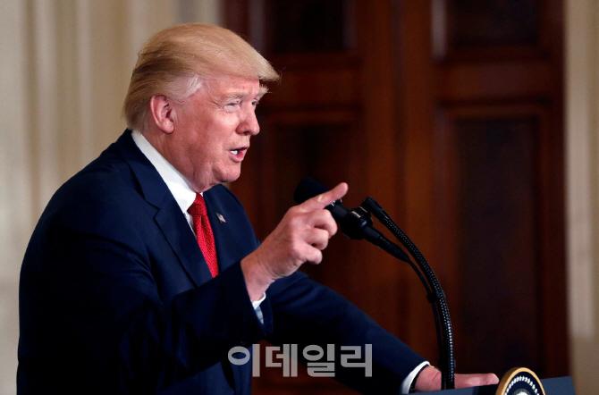 트럼프, 안보 명분으로 韓 등 외국산 철강 조사 지시