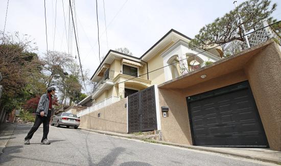 박근혜 전 대통령 내곡동 새 집 들여다봤더니…