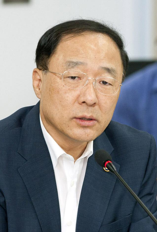 `창조경제` 홍남기, 문재인정부 국조실장에 임명 `탕평인사`