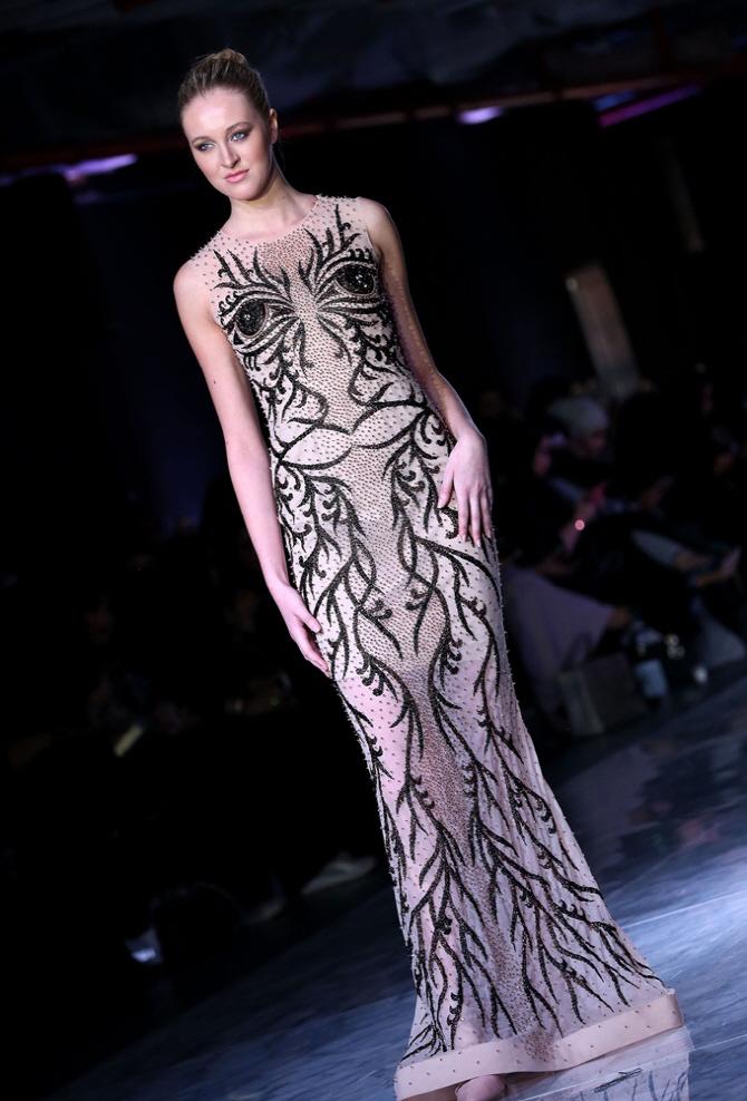 [포토]쿠웨이트 패션위크, `지켜보고있다`