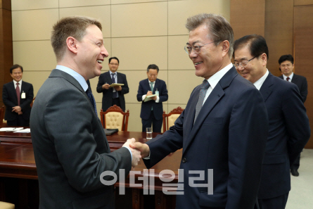 한미정상회담 6월말 워싱턴 개최…북핵·사드·FTA 집중 논의(종합)