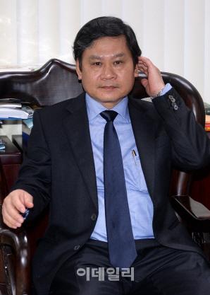 `베트남 광폭 성장 후에시에 투자하세요` 응우엔 반 탄 후에시장