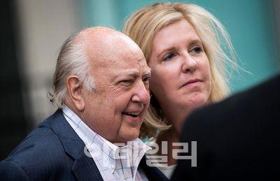 `美 대표 보수매체` 폭스뉴스 설립자 에일스 77세로 타계