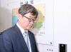 [포토]기자회견장 떠나는 안경환 '굳은표정'